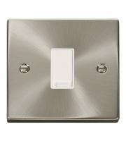 Click Scolmore Vpsc 10AX 1G Intermediate Switch
