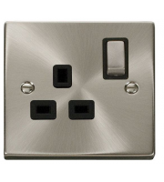 Click Scolmore 13A Ingot 1 Gang Dp Switched Socket - Black - (Satin Chrome)
